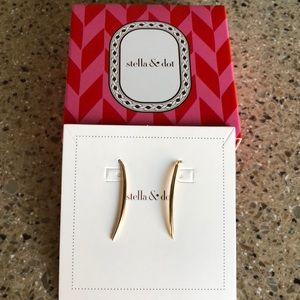 Stella & Dot Marlin Earrings - Gold